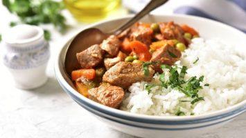 Recepty pro děti, Hovězí maso s hráškem, rajčaty a mrkví