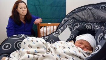 Jak naučit dítě, aby usínalo samo bez rodičů