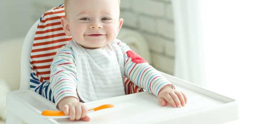 Jak naučit dítě jíst samo