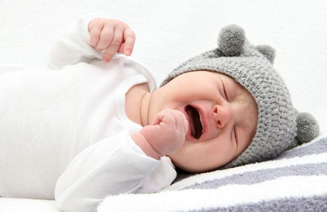 Jak naučit dítě usínat bez kojení