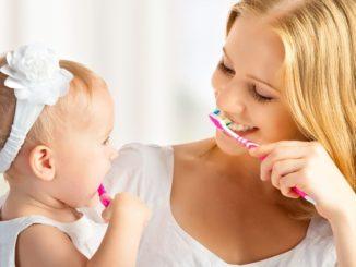 Jak naučit dítě čistit zuby