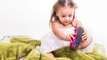 Jak naučit dítě oblékat