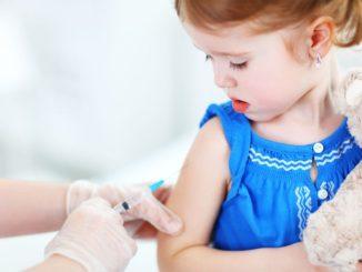 Očkování způsobuje autismus