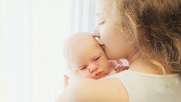 Jak správně nechat odříhnout novorozence