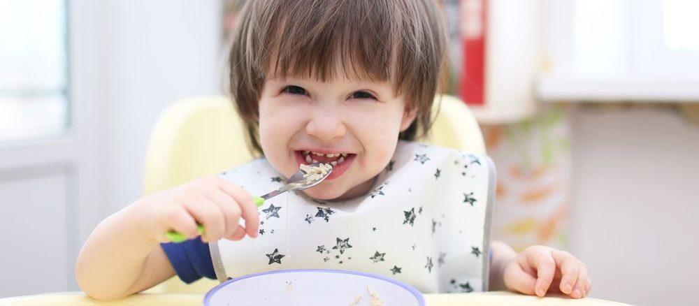 Co má dítě umět ve dvou letech