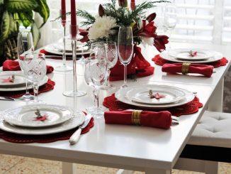 Vánoční prostřený stůl