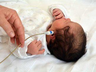 Vyšetření sluchu novorozenců