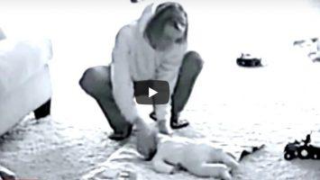 Chůva týrala svěření děti