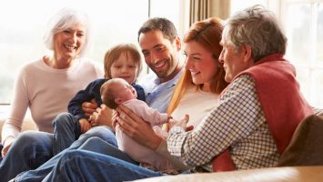 Co darovat k narození miminka