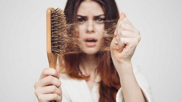 Padání vlasů po porodu
