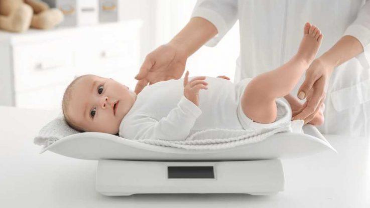 Přibírání na váze u novorozence