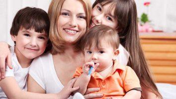 Matky se třemi dětmi