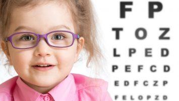 Jak naučit dítě nosit brýle