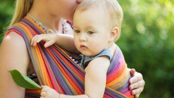 Nošení dětí v šátku