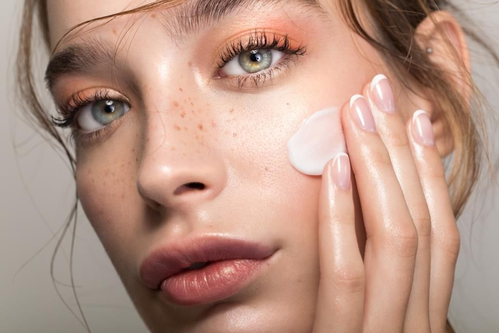 Příprava pleti pro aplikaci makeupu