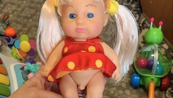 Transgenderová panenka